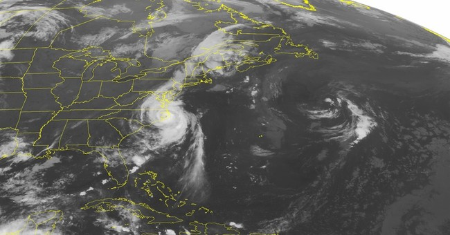 North Carolina coast survives Hurricane Arthur